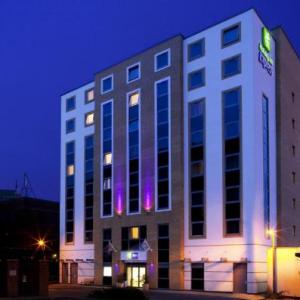 Watford Colosseum Hotels - Holiday Inn Express London - Watford Junction