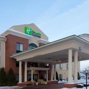 Nelson Ledges Road Course Hotels - Holiday Inn Express Lordstown-Newton Falls/Warren
