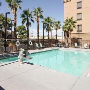Sunset Park Hotels - Hampton Inn And Suites Las Vegas Airport