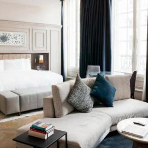 The Trafalgar St. James London Curio collection by Hilton