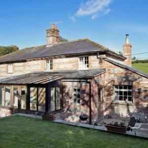Charisworth Farm Hotels - Jasmine Cottage