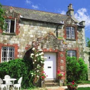 Hotels near West Dean Gardens Chichester - Spire Cottage