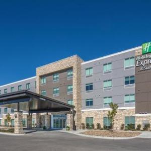 Holiday Inn Express & Suites - West Omaha - Elkhorn an IHG Hotel