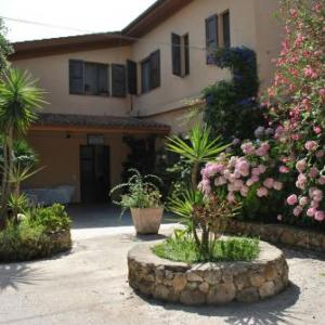 Book Now Hotel La Pineta (Arborea, Italy). Rooms Available for all budgets. Offering a restaurant Hotel La Pineta is located in Arborea just 3 km from the Tyrrhenian Sea. It offers a garden free WiFi and air-conditioned rooms.Each room at the 2-star P