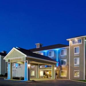 Four Winds New Buffalo Hotels - Holiday Inn Express & Suites New Buffalo MI