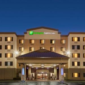 Hotels near Iowa Memorial Union - Holiday Inn Express Hotel & Suites Coralville