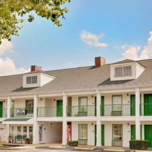 Wofford College Hotels - Days Inn By Wyndham Spartanburg