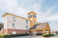Days Inn And Suites Dallas Image