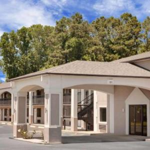 Hotels near USA Stadium - Days Inn Millington