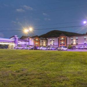 Lake Eden Arts Festival Hotels - Comfort Inn