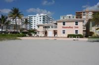 Manta Ray Inn Image