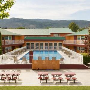 Hotels near South Okanagan Events Centre - Days Inn And Conference Centre - Penticton