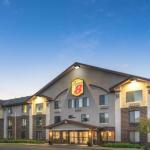 Super 8 by Wyndham Bloomington/Airport