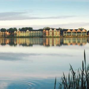 Hotels near Cotswold Airport Cirencester - De Vere Cotswold Water Park