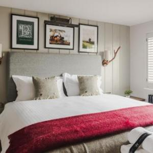 Arlington Arts Centre Hotels - The Hare And Hounds At Speen