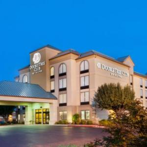Hotels near Arvest Ballpark - Doubletree Club Springdale
