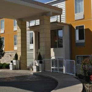 Hotels near Kennywood - Holiday Inn Express Pittsburgh East - Mall Area