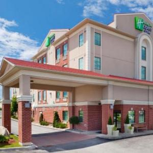 Park Place Barrie Hotels - Holiday Inn Express Barrie Ontario Canada