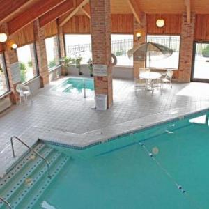 Hotels near C.O. Brown Stadium - Baymont Inn And Suites Downtown Battle Creek Mi
