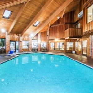 Hotels near Carl Perkins Civic Center - Baymont By Wyndham Jackson