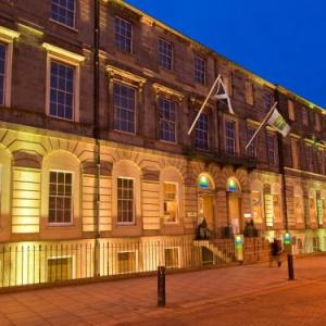Edinburgh Playhouse Hotels - Holiday Inn Express Edinburgh City Centre