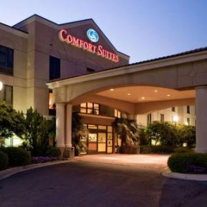 Hotels near Davis Wade Stadium at Scott Field - Comfort Suites Starkville