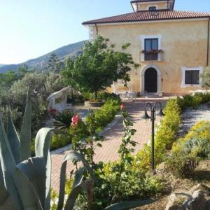 Book Now Al Sentiero (Pollica, Italy). Rooms Available for all budgets. Al Sentiero offers rooms in a peaceful mountain area 3 km off Pollica inside the Cilento National Park. The property grow olives and produces its own cheese.Each room features