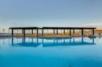 Sunny Coast Resort & Spa