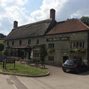 Hotels near Larmer Tree Gardens - The Grove Arms Ludwell