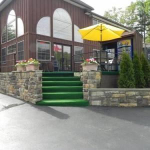 Mohican Resort Motel Conveniently located to all Adirondack attractions