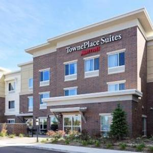 Top Rated Hotel near Palace of Auburn Hills