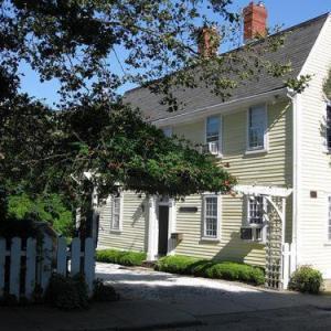 Admiral Farragut Inn