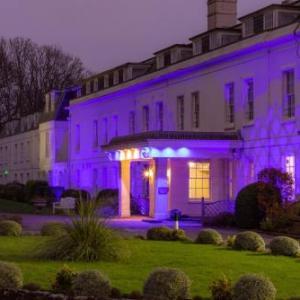 Hotels near Fontwell Park Racecourse - Hilton Avisford Park