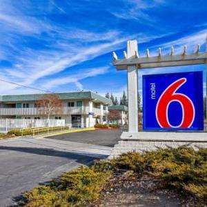 Hotels near Whiskey Dick's South Lake Tahoe - Motel 6 South Lake Tahoe