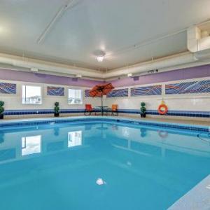 Hotels near SaskTel Centre - Motel 6-Saskatoon SK