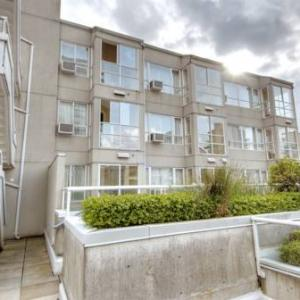 Hotels near Malkin Bowl - Robson Suites