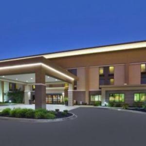 Peoples Bank Theatre Hotels - Hampton Inn Marietta