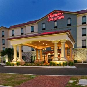 Pensacola Fairgrounds Hotels - Hampton Inn & Suites Pensacola/I-10 Pine Forest Road