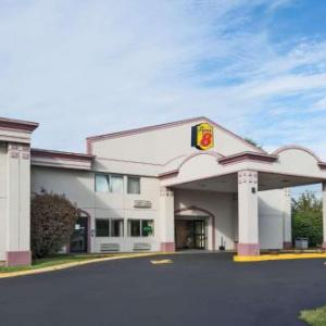 Hotels near Connecticut Expo Center - Super 8 By Wyndham Hartford