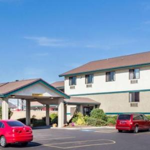 Super 8 by Wyndham Union Gap Yakima Area