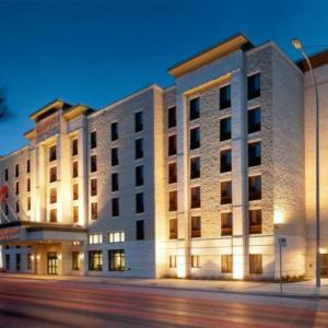 Park Theatre Café Winnipeg Hotels - Humphry Inn And Suites