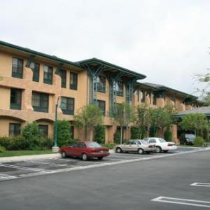 Hotels near Malibu West Beach Club - Hampton Inn & Suites Agoura Hills
