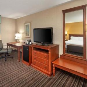 Arrow Hall Hotels - Hampton Inn & Suites Toronto Airport Ontario Cn