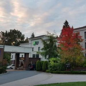 Cascades Casino Hotels - Holiday Inn Express Hotel And Suites Surrey