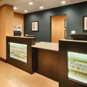 Alabama International Dragway Hotels - Best Western Plus Gadsden Hotel & Suites