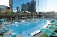 ELARA BY HILTON GRAND VACATIONS, CENTER STRIP