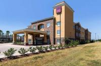 Comfort Suites Pearland - South Houston Image
