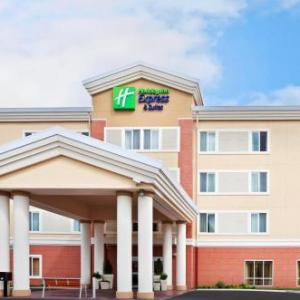 Lucky Eagle Casino Hotels - Holiday Inn Express Hotel & Suites Chehalis-Centralia
