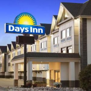 Springbank Links Golf Club Hotels - Days Inn By Wyndham Calgary Northwest