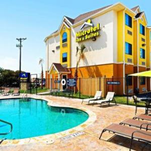 Hotels near Whitewater On The Horseshoe - Microtel Inn & Suites by Wyndham New Braunfels I-35
